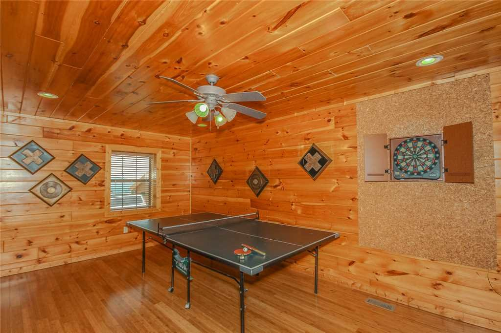 Photo of a Pigeon Forge Cabin named Grand View Lodge - This is the twenty-sixth photo in the set.