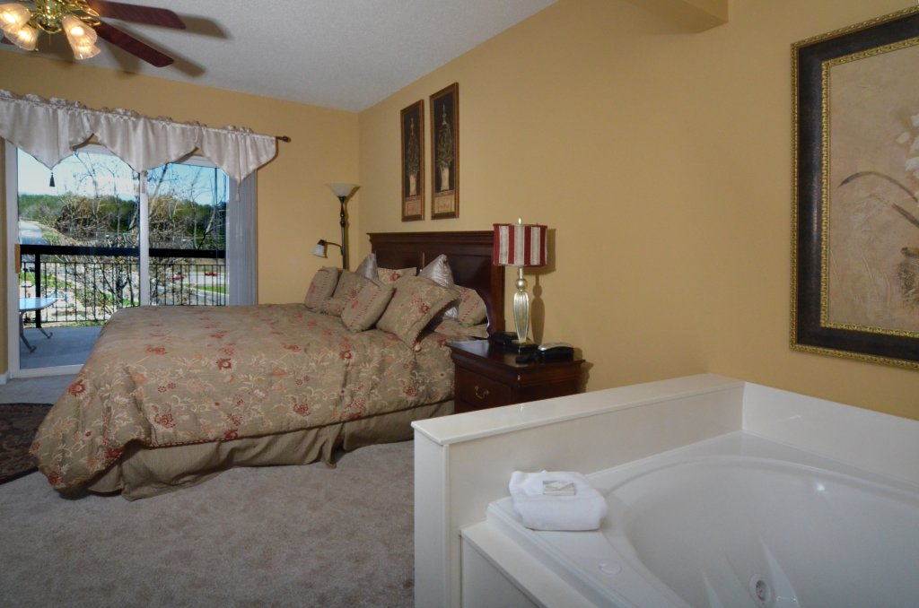 Photo of a Pigeon Forge Condo named Bear Crossing 402 - This is the eighth photo in the set.