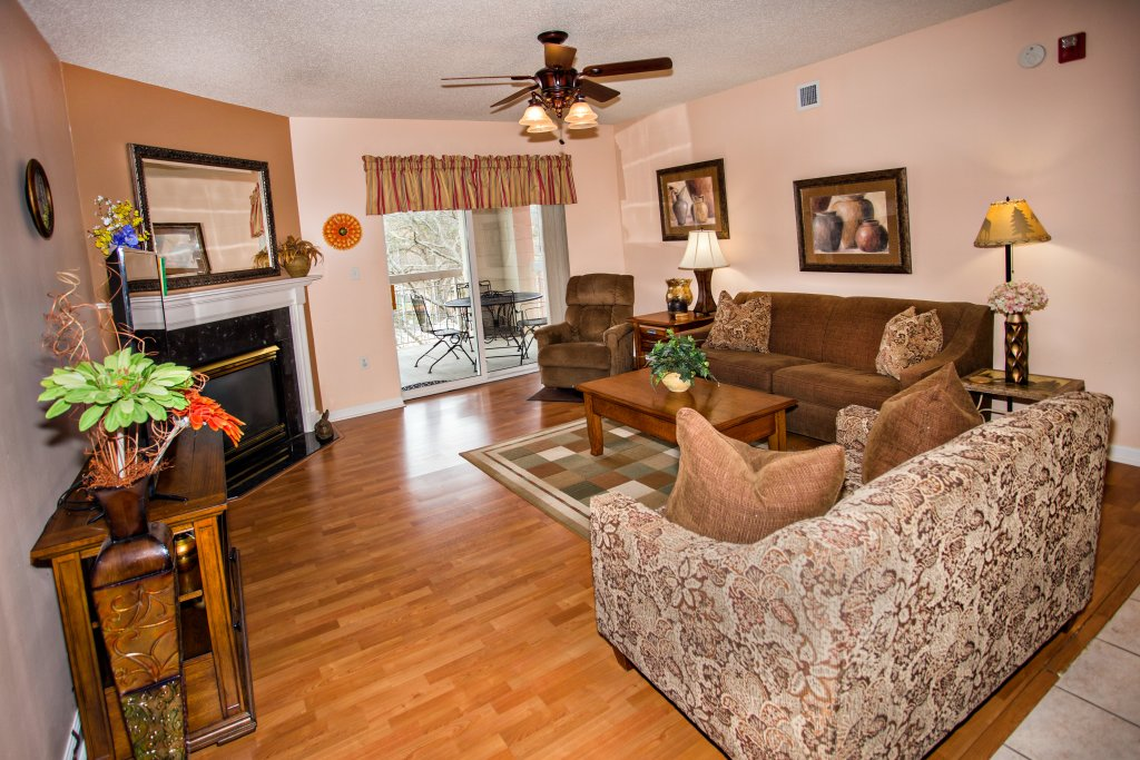 Photo of a Pigeon Forge Condo named Bear Crossing 403 - This is the first photo in the set.