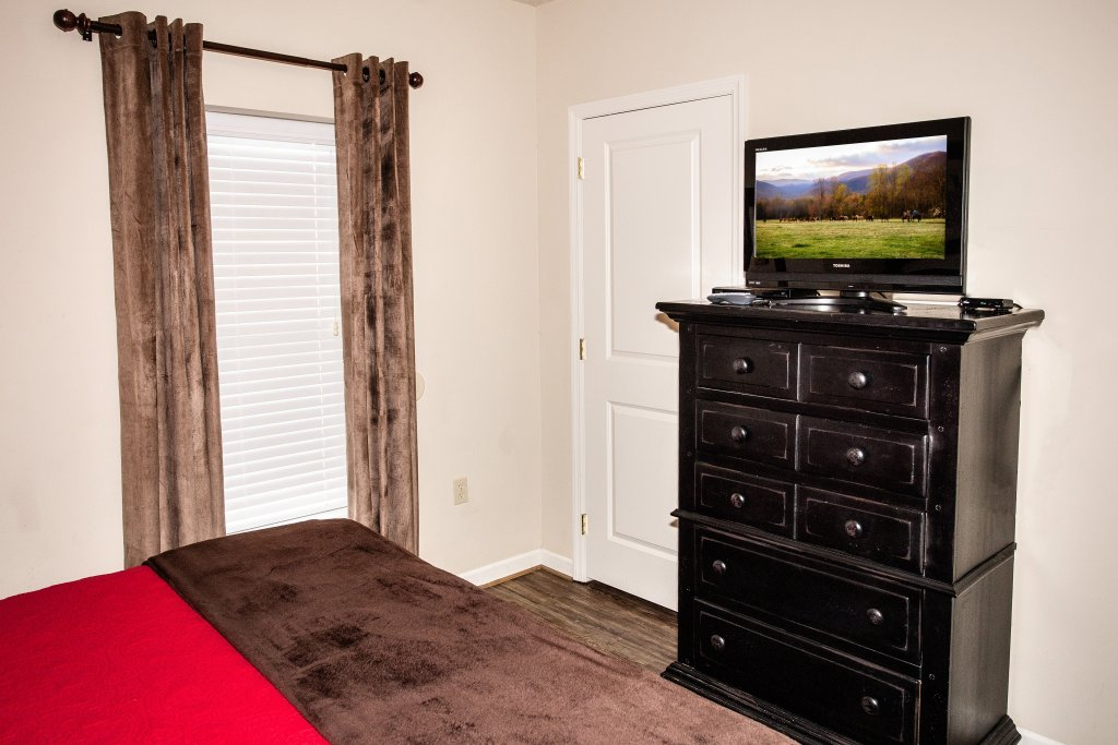 Photo of a Pigeon Forge Condo named Cedar Lodge 403 - This is the seventh photo in the set.