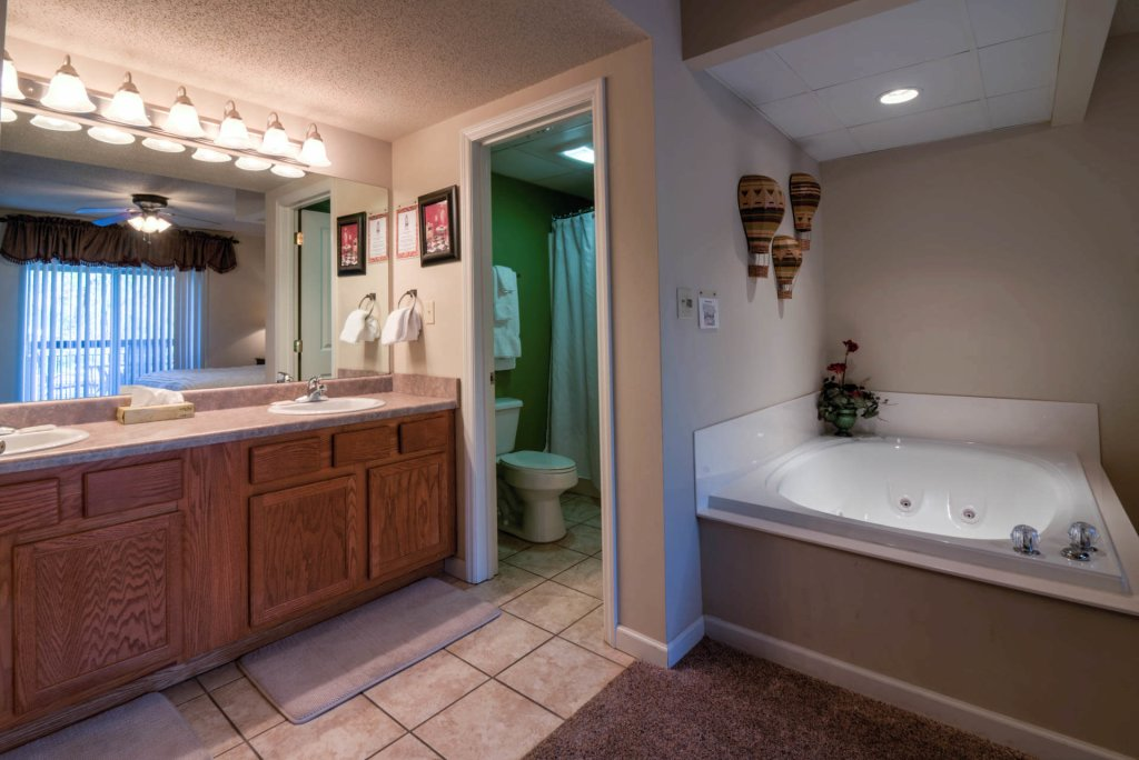 Photo of a Pigeon Forge Condo named Cedar Lodge 201 - This is the sixth photo in the set.