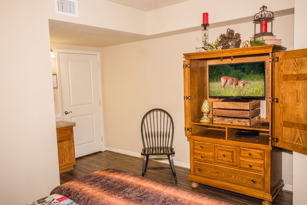 Photo of a Pigeon Forge Condo named Cedar Lodge 403 - This is the eighth photo in the set.
