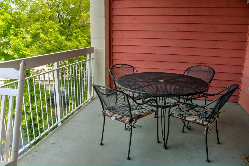 Photo of a Pigeon Forge Condo named Bear Crossing 302 - This is the eighteenth photo in the set.