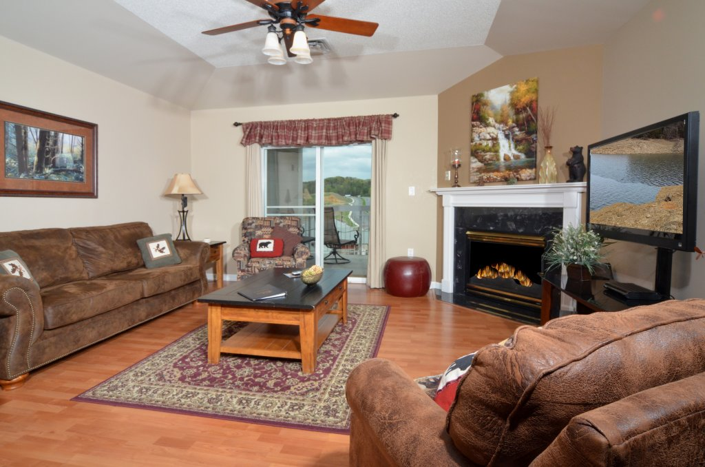 Photo of a Pigeon Forge Condo named Bear Crossing 502 - This is the third photo in the set.