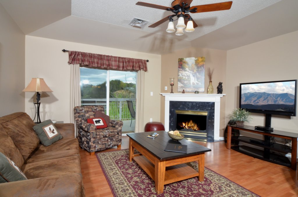 Photo of a Pigeon Forge Condo named Bear Crossing 502 - This is the first photo in the set.