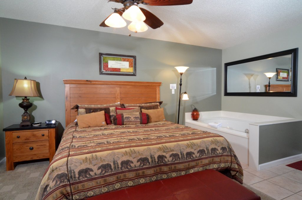 Photo of a Pigeon Forge Condo named Bear Crossing 502 - This is the twelfth photo in the set.