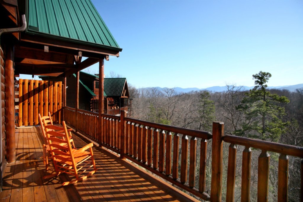 Photo of a Gatlinburg Cabin named Smoky Ridge View - This is the fourth photo in the set.