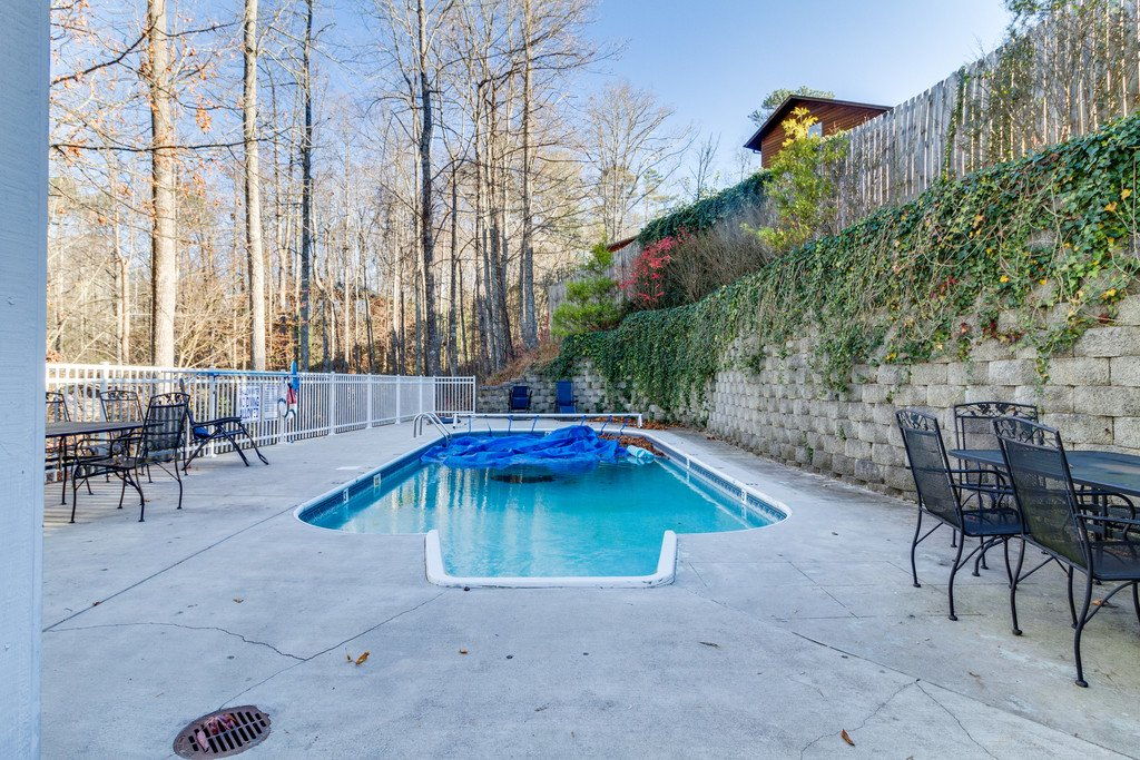 Photo of a Gatlinburg Cabin named Gatlinburg Mountain Splash - This is the ninety-fifth photo in the set.