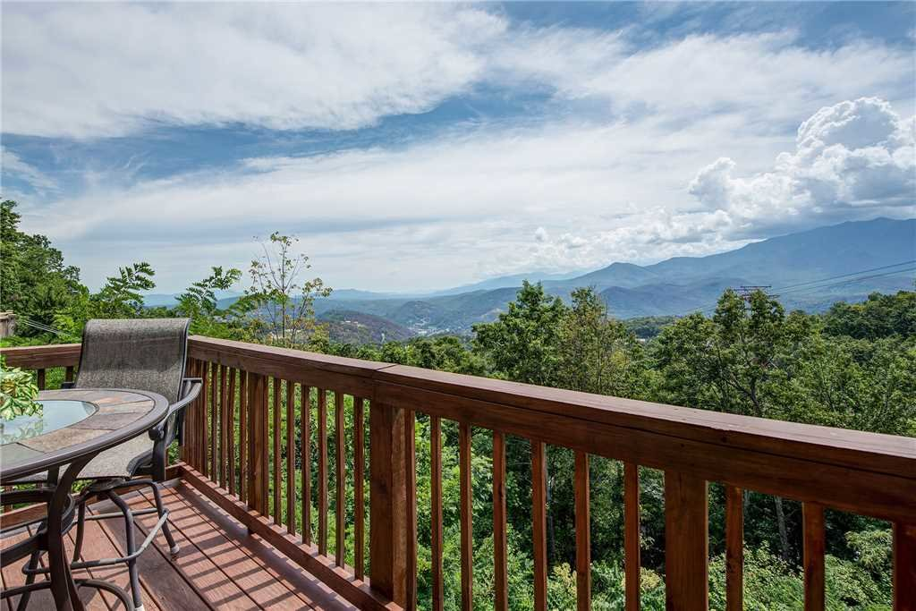 Photo of a Gatlinburg Cabin named Smoky Mountain View - This is the fourth photo in the set.
