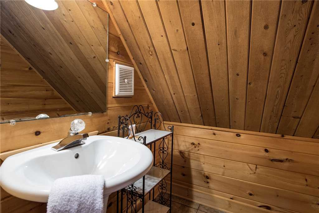 Photo of a Gatlinburg Cabin named Smoky Mountain View - This is the seventeenth photo in the set.