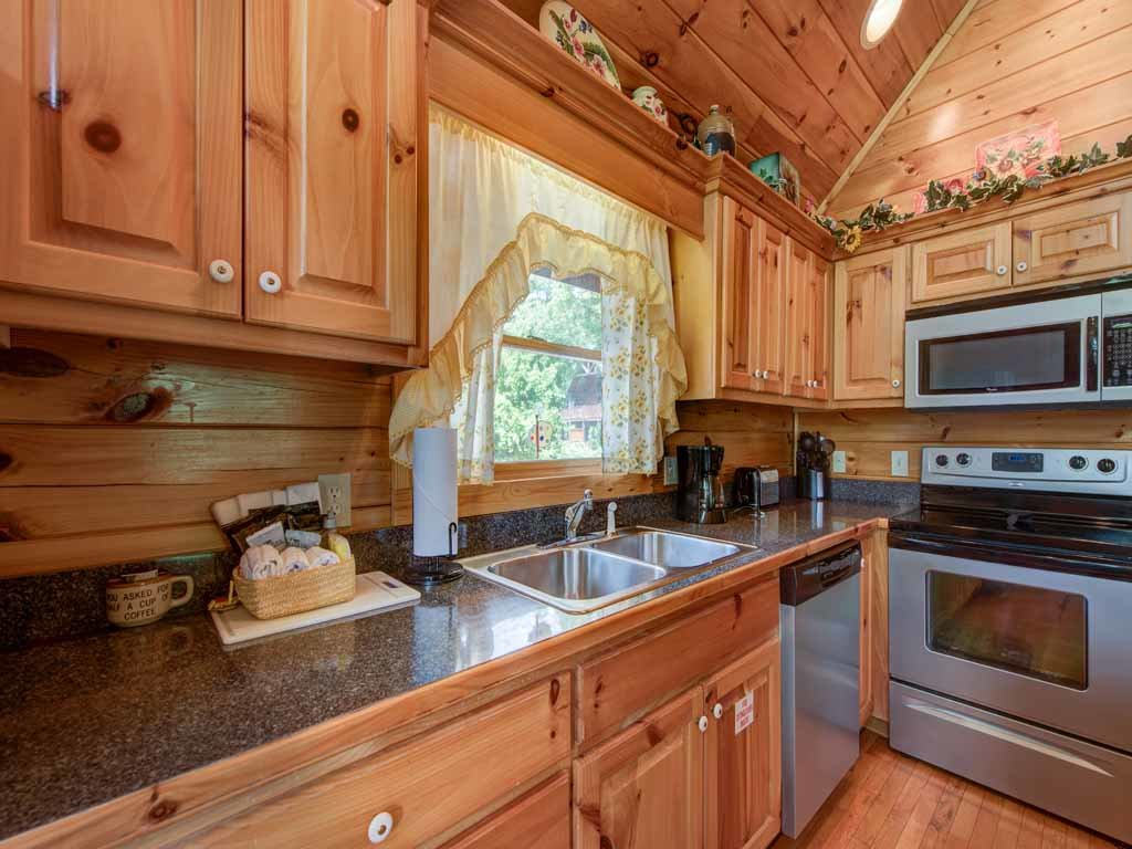 Photo of a Gatlinburg Cabin named Artistic Mountain - This is the eleventh photo in the set.