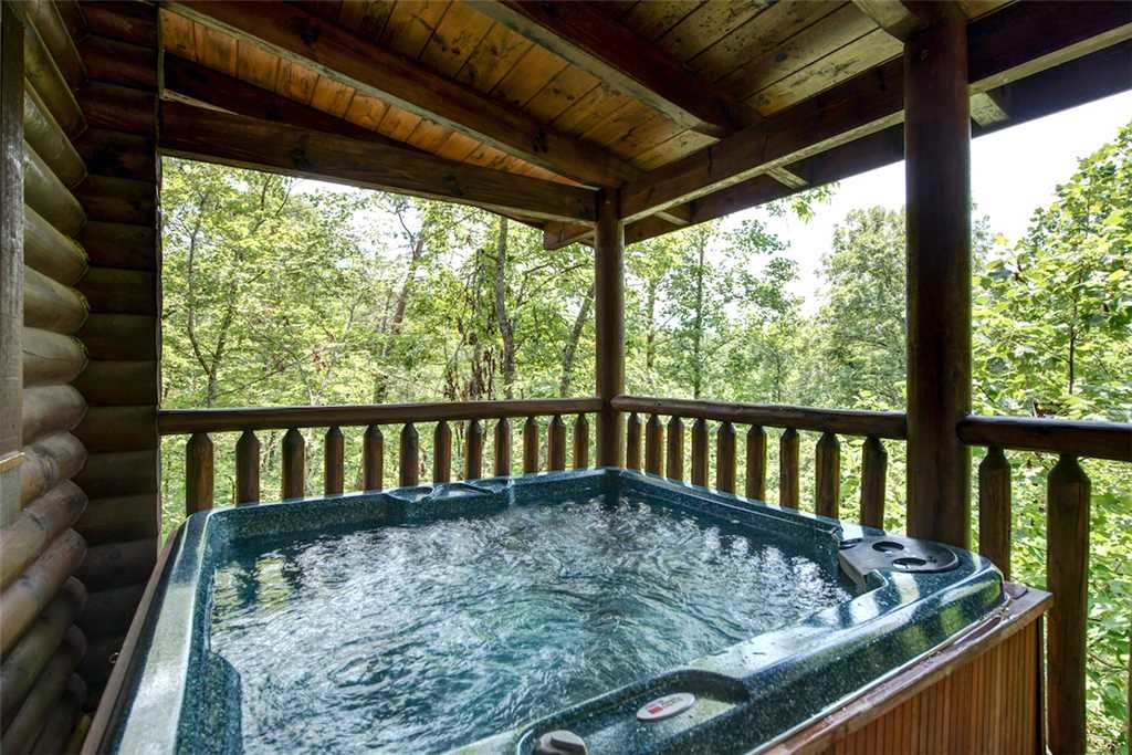 Photo of a Gatlinburg Cabin named Natural Beauty - This is the third photo in the set.