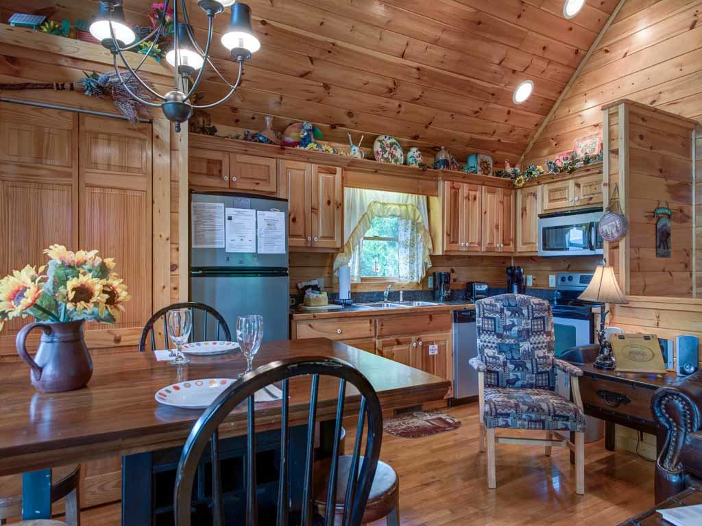 Photo of a Gatlinburg Cabin named Artistic Mountain - This is the ninth photo in the set.