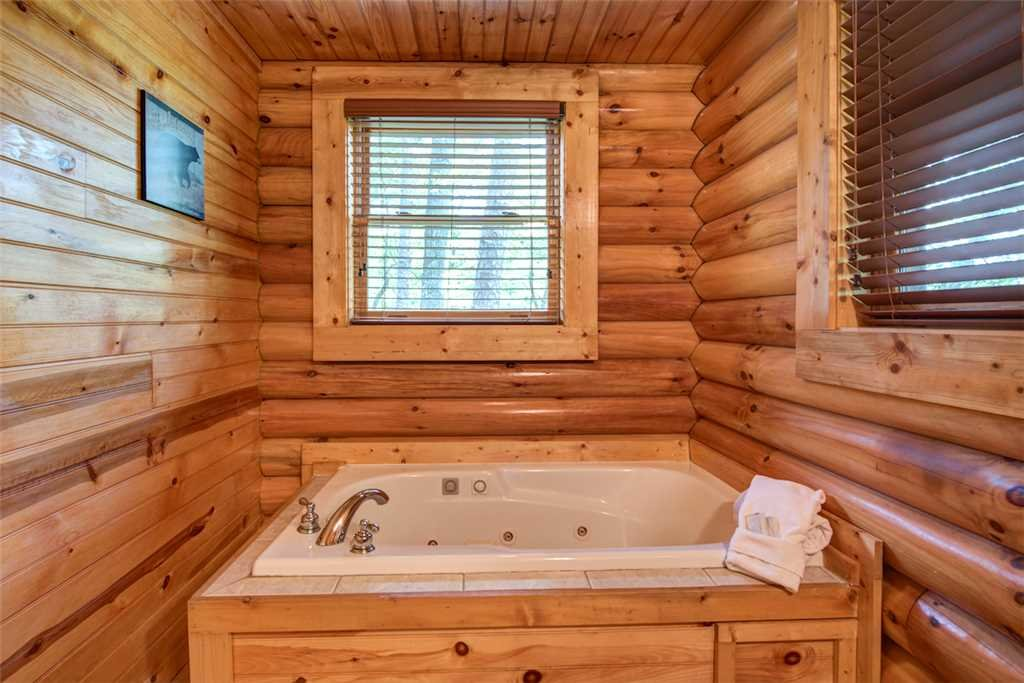 Photo of a Gatlinburg Cabin named Natural Beauty - This is the fourteenth photo in the set.