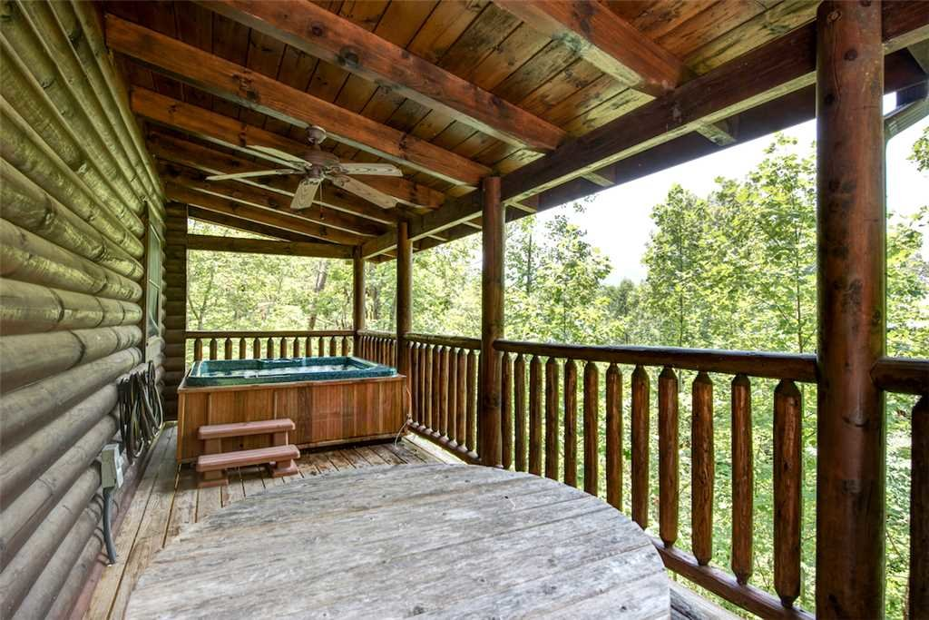 Photo of a Gatlinburg Cabin named Natural Beauty - This is the nineteenth photo in the set.
