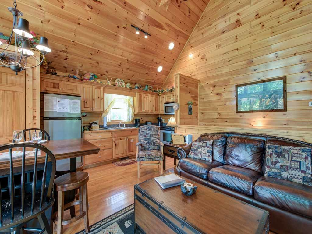 Photo of a Gatlinburg Cabin named Artistic Mountain - This is the eighth photo in the set.