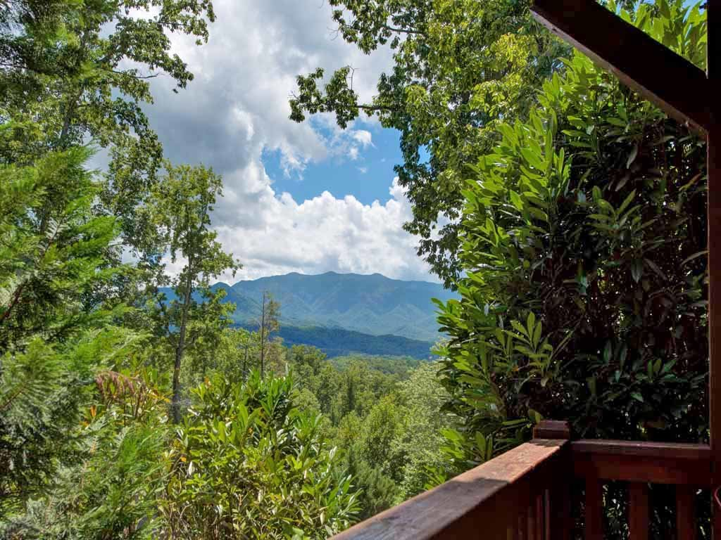 Photo of a Gatlinburg Cabin named Artistic Mountain - This is the twenty-second photo in the set.