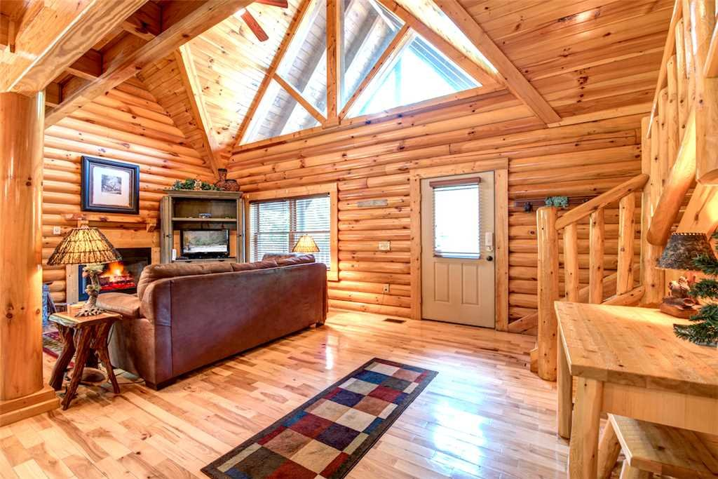 Photo of a Gatlinburg Cabin named Natural Beauty - This is the fourth photo in the set.