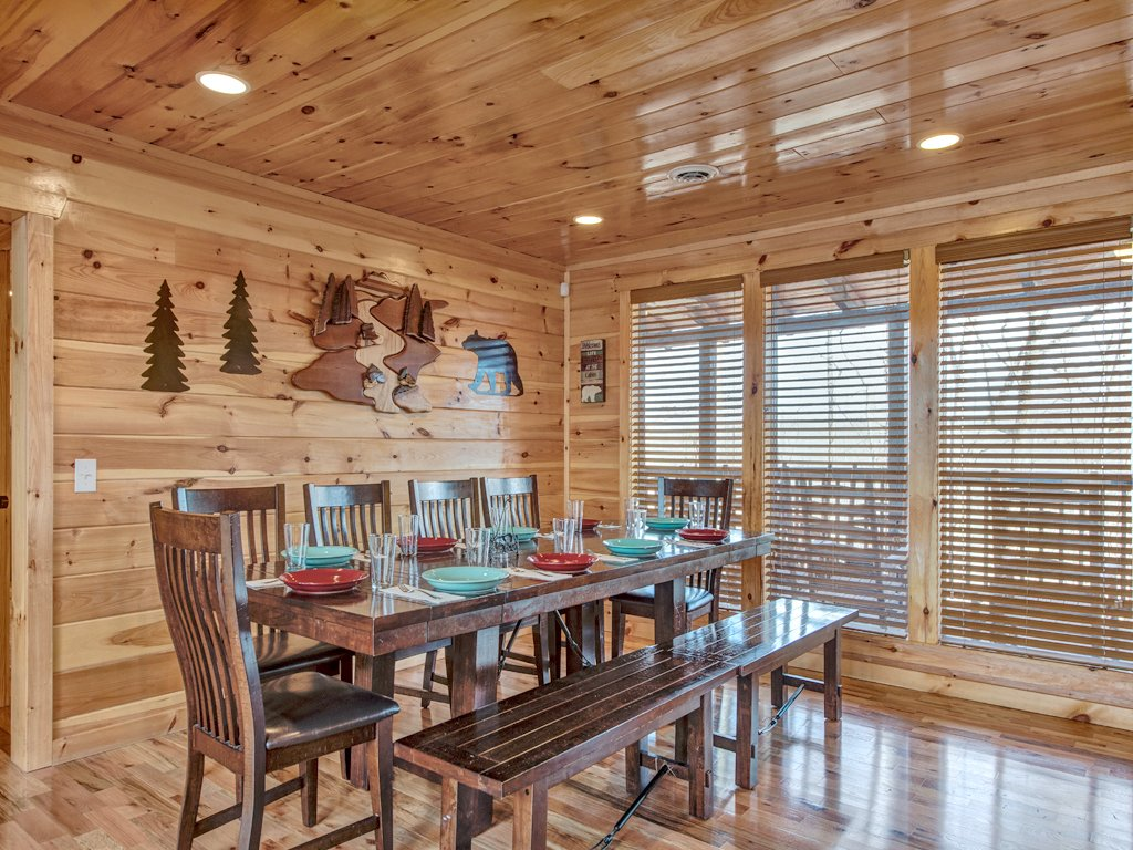 Photo of a Sevierville Cabin named Parkside Lodge - This is the sixth photo in the set.