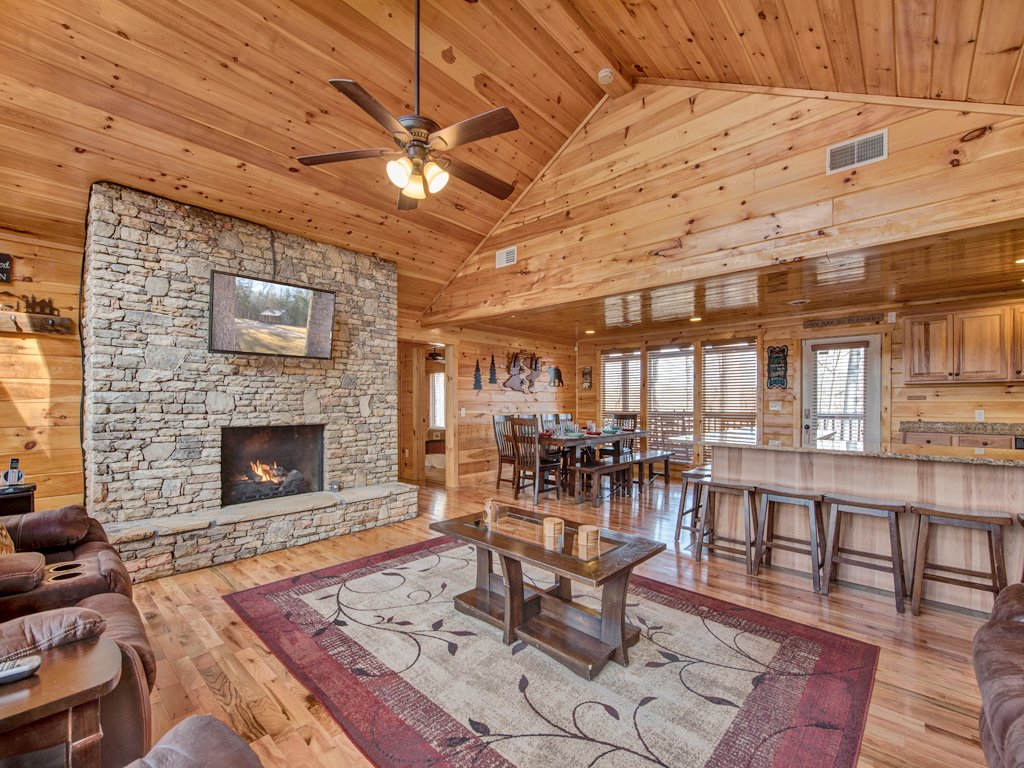 Photo of a Sevierville Cabin named Parkside Lodge - This is the first photo in the set.