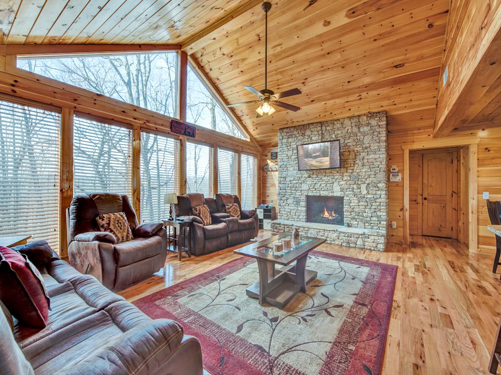 Photo of a Sevierville Cabin named Parkside Lodge - This is the fourth photo in the set.