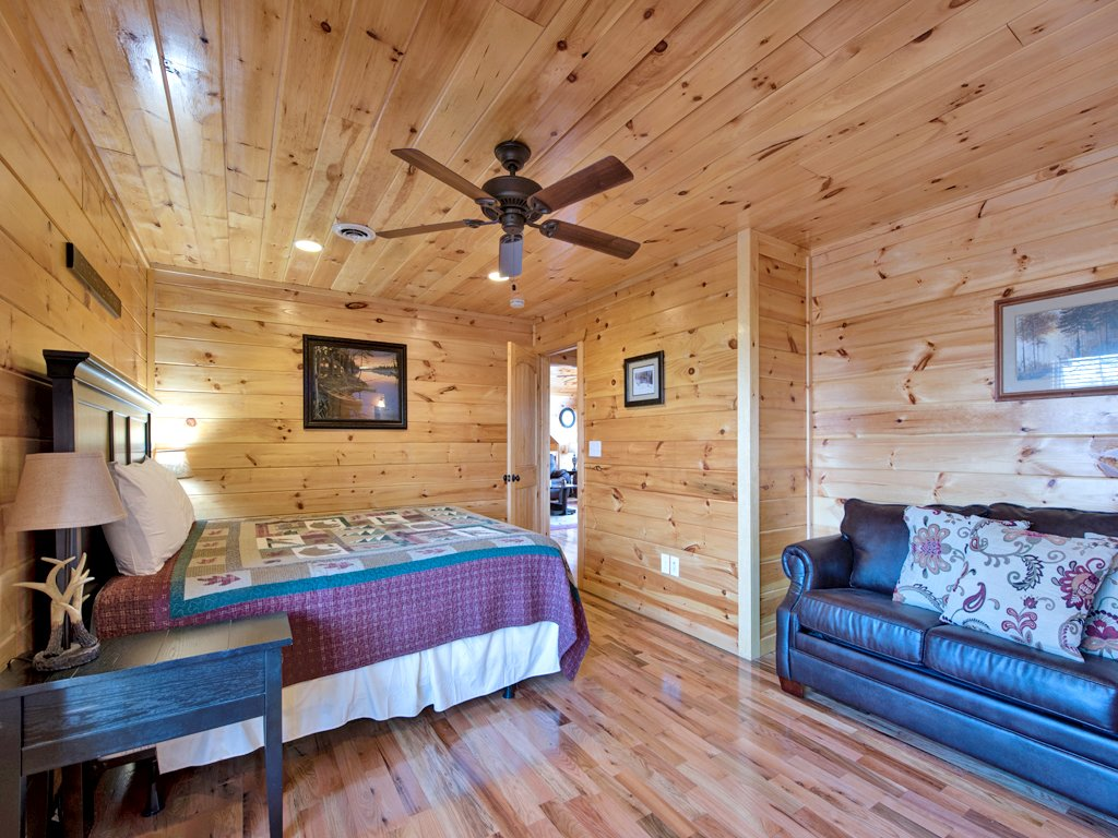 Photo of a Sevierville Cabin named Parkside Lodge - This is the eighteenth photo in the set.