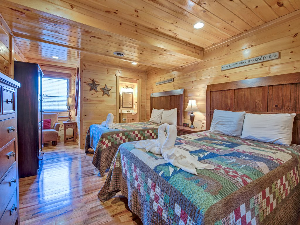 Photo of a Sevierville Cabin named Parkside Lodge - This is the twenty-ninth photo in the set.