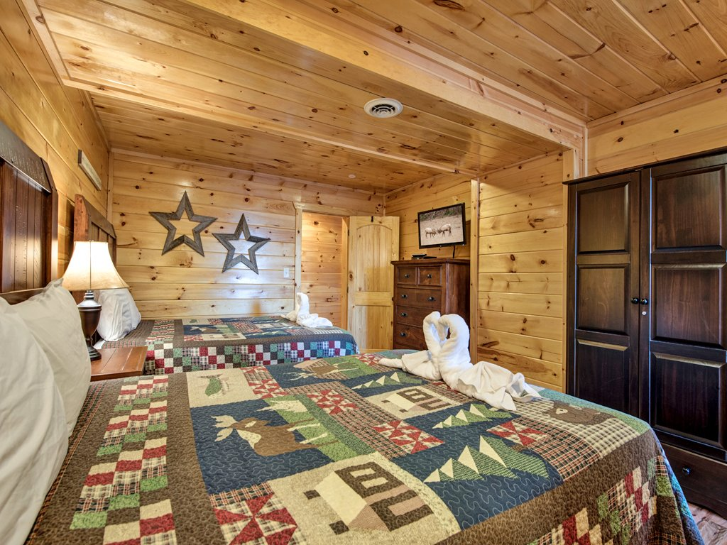 Photo of a Sevierville Cabin named Parkside Lodge - This is the thirtieth photo in the set.