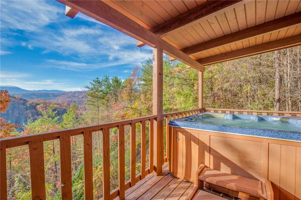 Photo of a Sevierville Cabin named Mountain Top View - This is the twenty-third photo in the set.