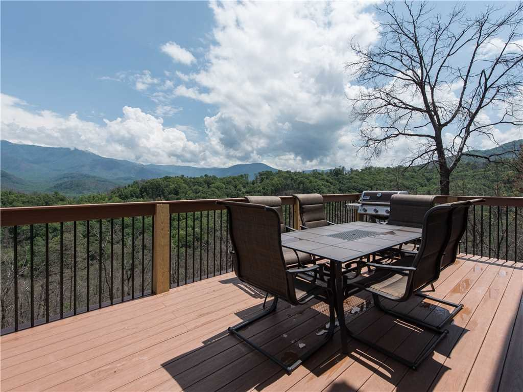 Photo of a Gatlinburg Cabin named 3 Bears Chalet - This is the twenty-third photo in the set.
