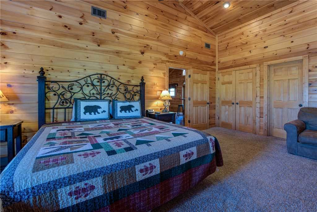 Photo of a Gatlinburg Cabin named Mountain View Lodge - This is the twenty-second photo in the set.