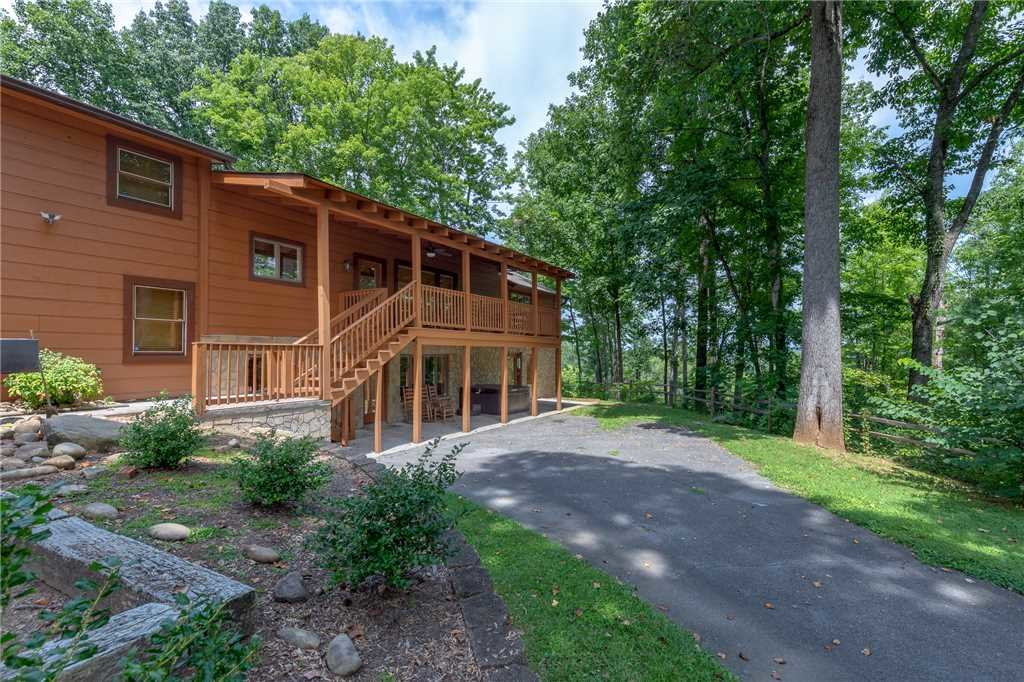 Photo of a Sevierville Cabin named Parkside Lodge - This is the forty-second photo in the set.