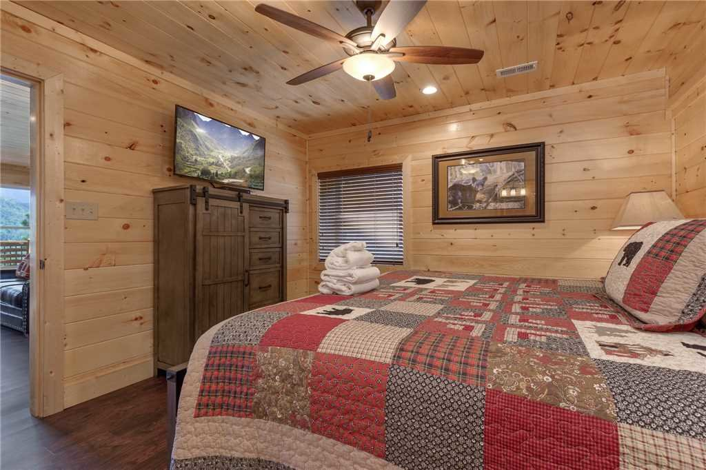 Photo of a Gatlinburg Cabin named All About The View - This is the thirty-second photo in the set.