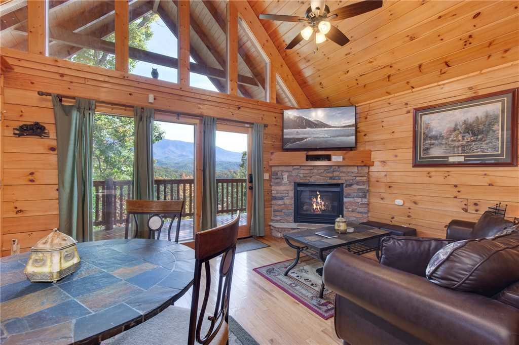 Photo of a Gatlinburg Cabin named Breathtaking View - This is the seventh photo in the set.