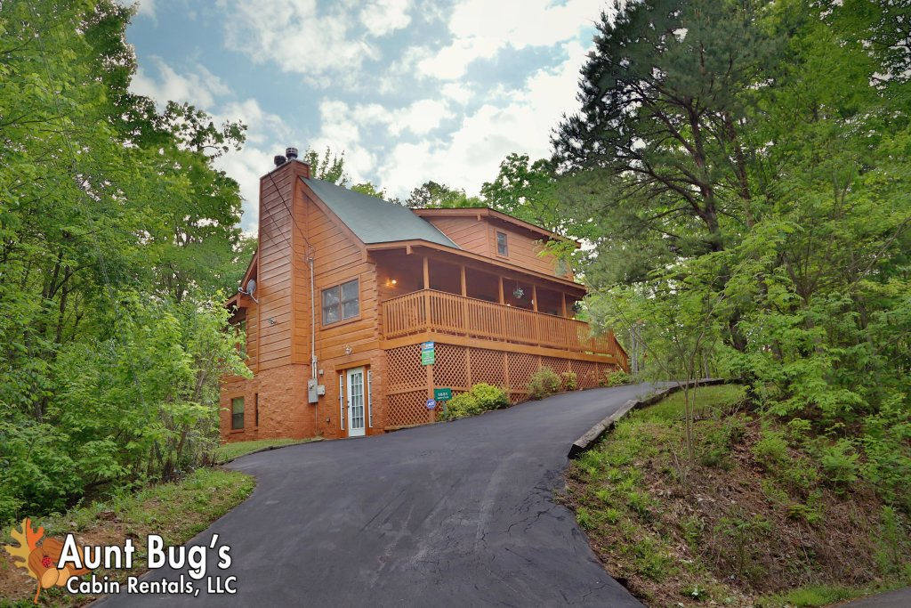 Photo of a Gatlinburg Cabin named A Mountain Lair #1631 - This is the seventeenth photo in the set.