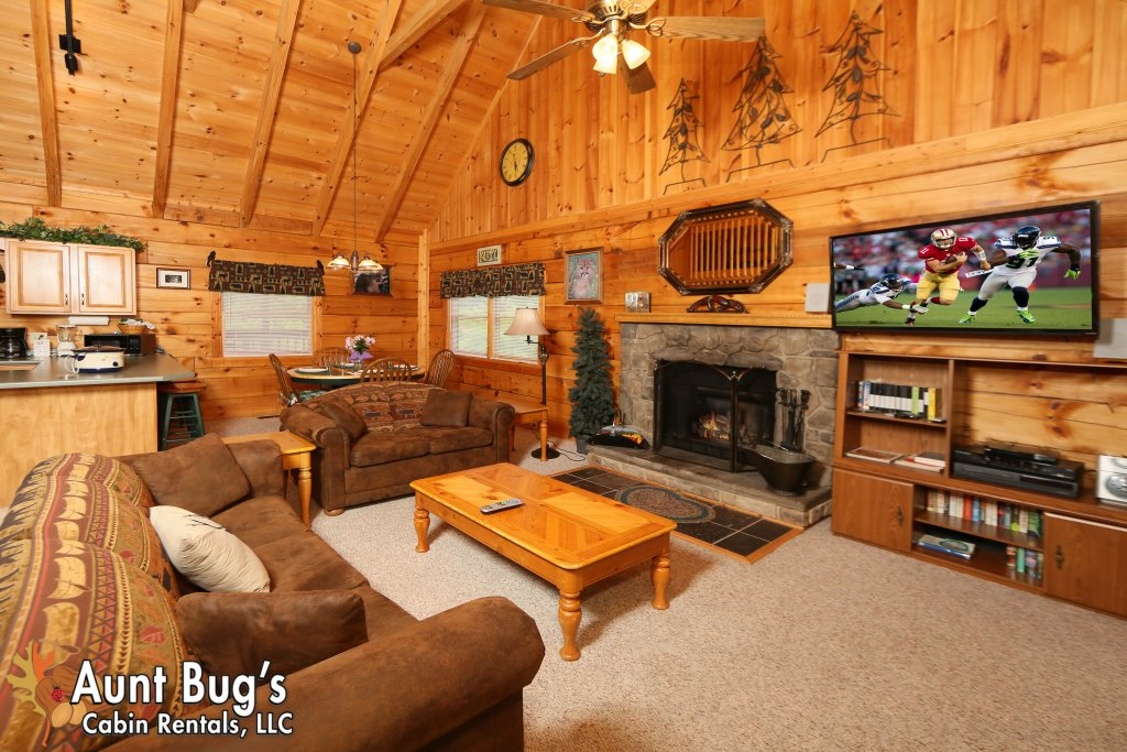Photo of a Gatlinburg Cabin named A Mountain Lair #1631 - This is the fiftieth photo in the set.