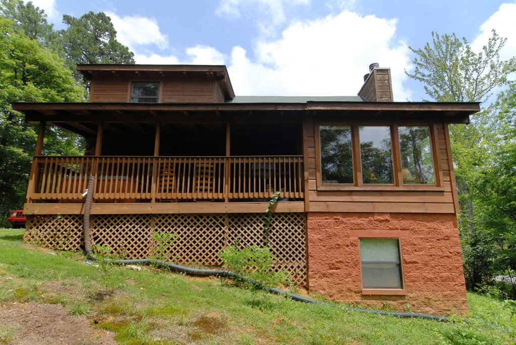 Photo of a Gatlinburg Cabin named A Mountain Lair #1631 - This is the fifty-third photo in the set.