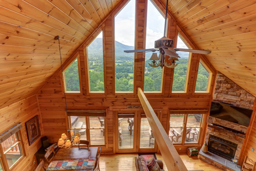 Photo of a Sevierville Cabin named Soaring Vista Cabin - This is the eighth photo in the set.