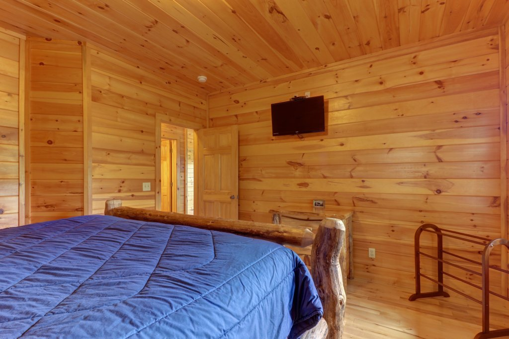 Photo of a Sevierville Cabin named Soaring Vista Cabin - This is the twenty-fifth photo in the set.