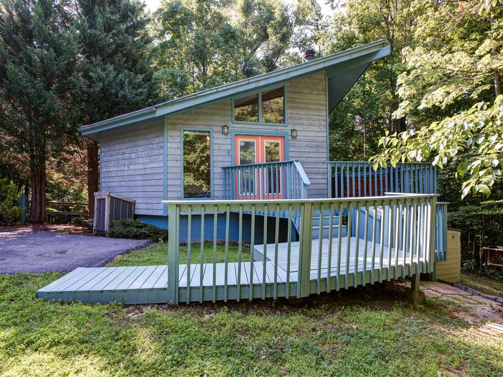 Photo of a Gatlinburg Cabin named Woodsong - This is the twelfth photo in the set.