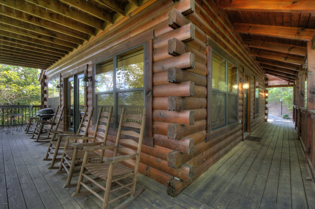 Photo of a Pigeon Forge Cabin named Can't Bear To Leave #455 - This is the twenty-second photo in the set.