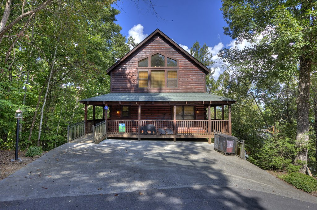 Photo of a Pigeon Forge Cabin named Can't Bear To Leave #455 - This is the fifty-third photo in the set.