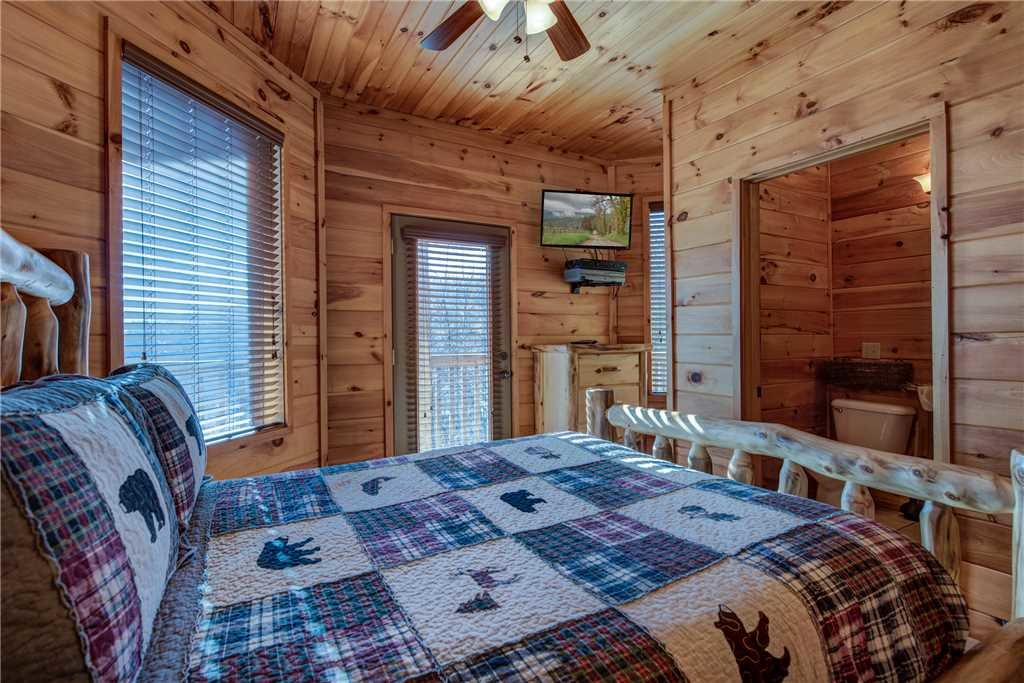 Photo of a Gatlinburg Cabin named Starry Nights Lodge - This is the fifteenth photo in the set.