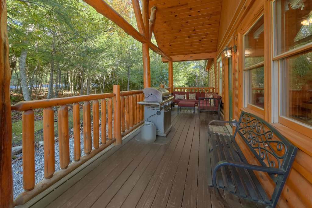 Photo of a Gatlinburg Cabin named Live, Laugh, Love Pool Lodge - This is the fifth photo in the set.