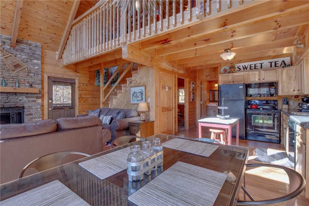Photo of a Pigeon Forge Cabin named Scenic Solitude - This is the seventh photo in the set.