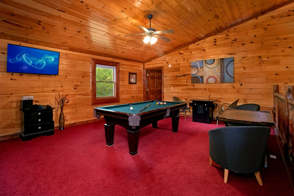 Photo of a Gatlinburg Cabin named Live, Laugh, Love Pool Lodge - This is the eighth photo in the set.