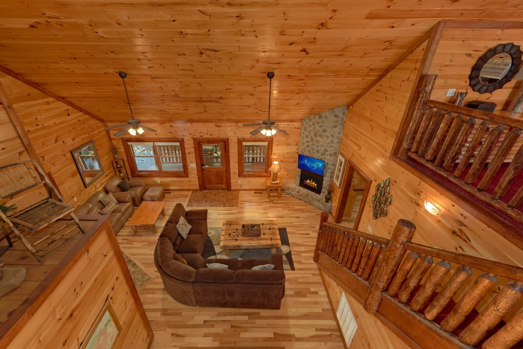 Photo of a Gatlinburg Cabin named Live, Laugh, Love Pool Lodge - This is the sixteenth photo in the set.
