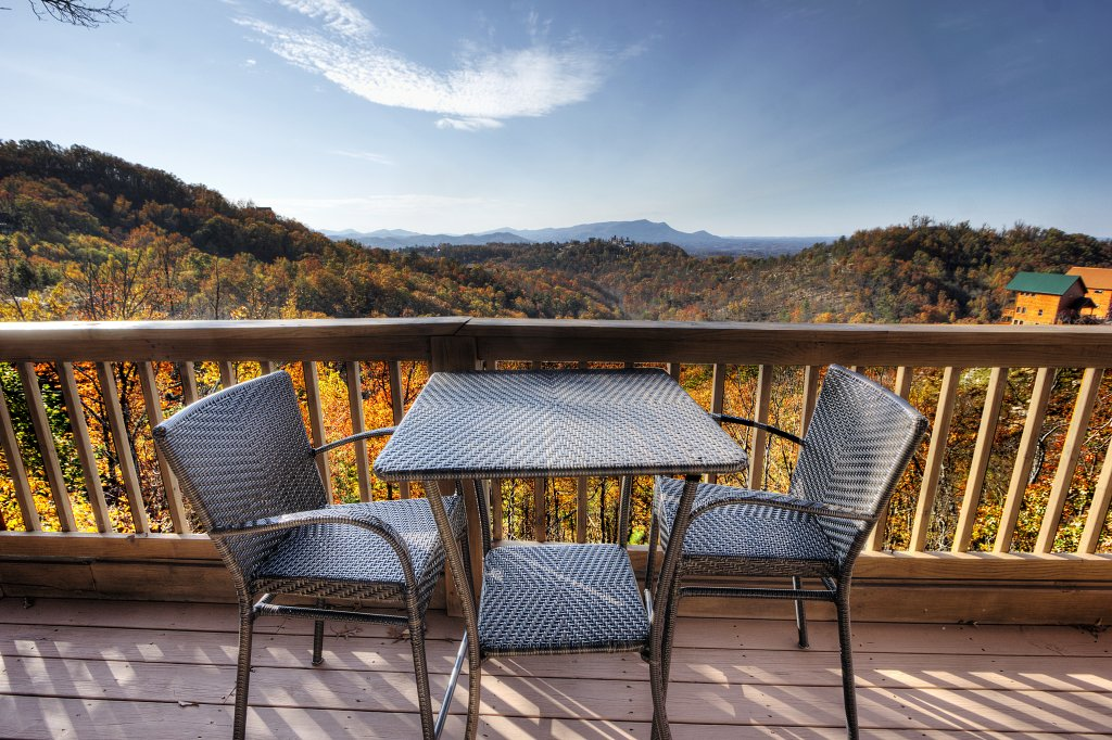 Photo of a Pigeon Forge Cabin named Morning View #131 - This is the third photo in the set.