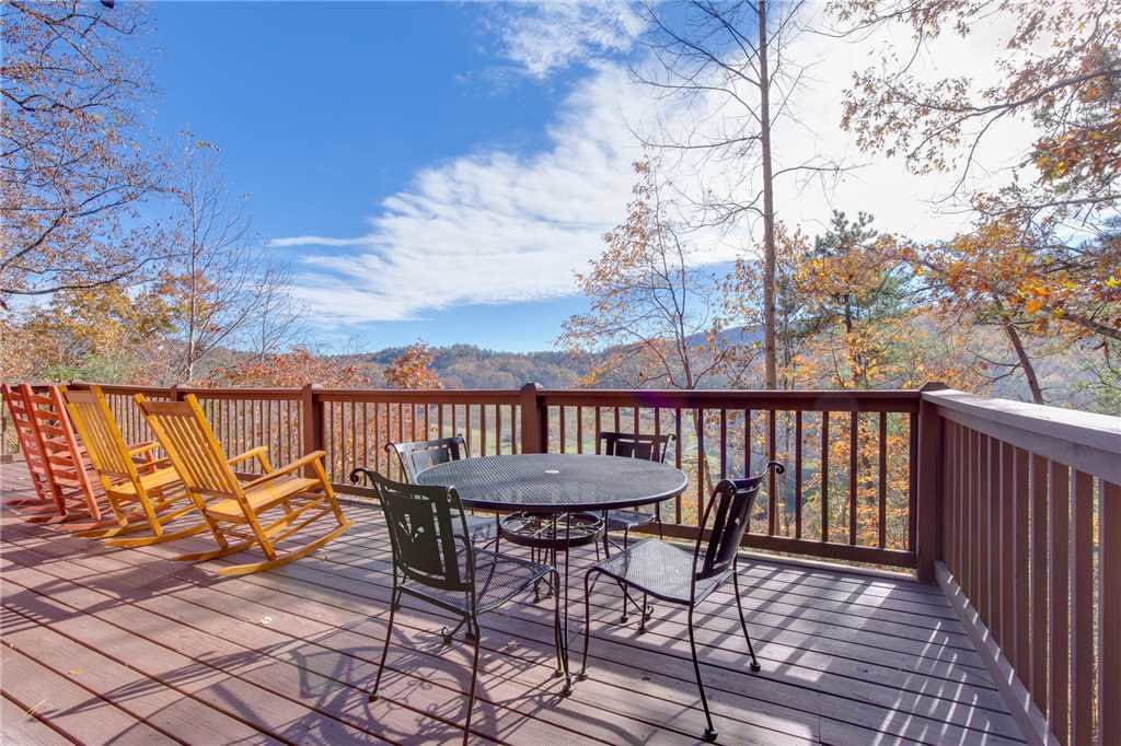 Photo of a Pigeon Forge Cabin named Scenic Solitude - This is the twenty-first photo in the set.