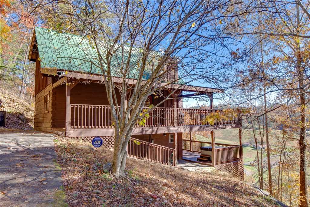 Photo of a Pigeon Forge Cabin named Scenic Solitude - This is the twenty-fourth photo in the set.